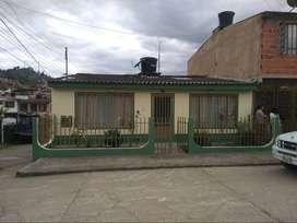 Gran Oportunidad Se Vende Linda Casa con Bodega en Garagoa Boyacá.