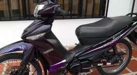 Se vende moto yamaha