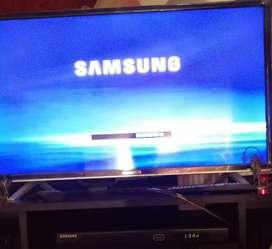 Se Vende Reproductor de DVD Full HD Samsung  con Control UNIVERSAL Samsung