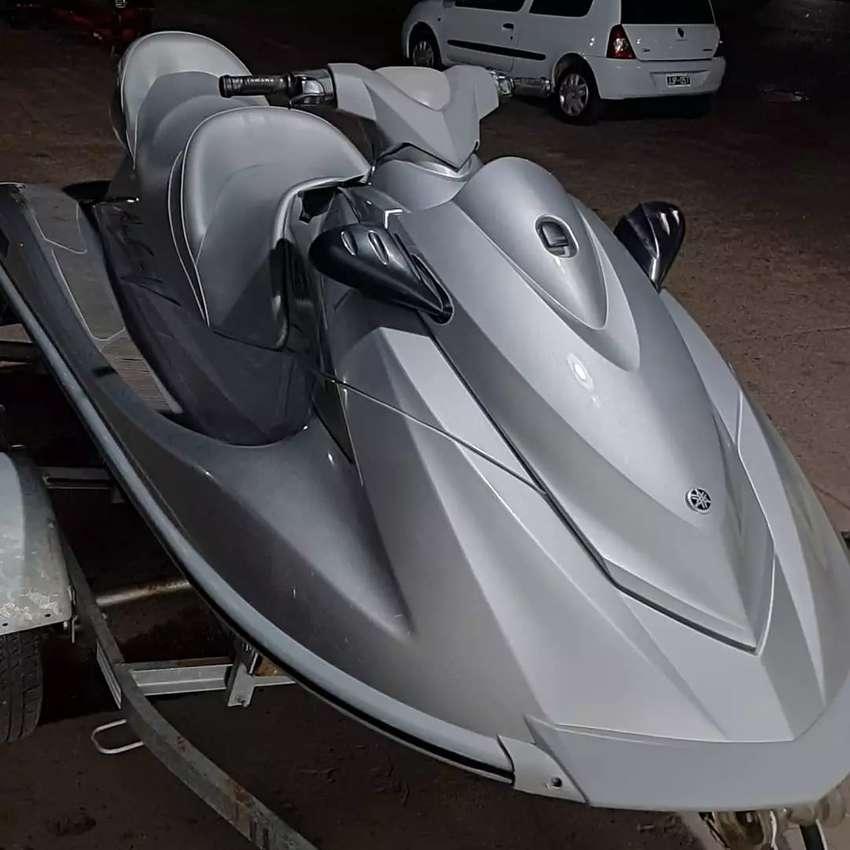 Moto de agua triplaza Yamaha VX Cruiser 1100 4t 110HP 2013 67hs 0