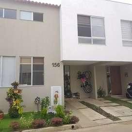 Casa de 2 pisos en Conjunto Cerrado - Ciudad Country