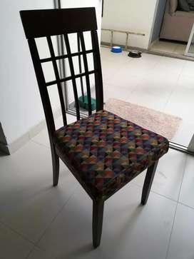 Mesa Comedor seis puestos con sillas
