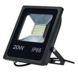 Reflector 20watts luz blanca Garantia Un Año mutivoltaje