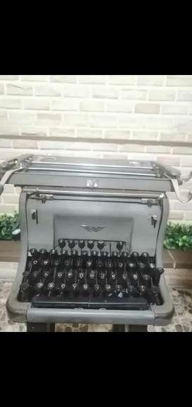 Máquina de escribir Continental