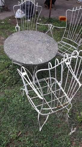 Juego de sillones con mesa para jardin