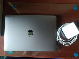 Se vende Macbook Pro 2019