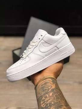 Tenis Nike af1 clásica para hombre y dama a domicilio