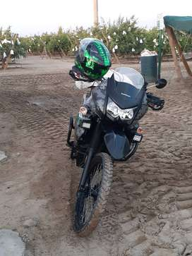 Moto Nueva no le falta ningun accesorio lista para viajar