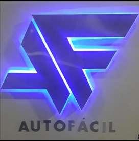 Asesor comercial de vehículos.
