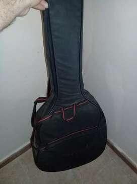 Funda de guitarra acústica y correa