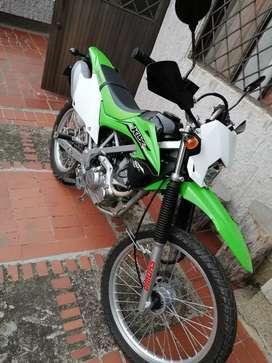 Vendo moto Kawasaki KLX 150L