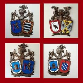Escudos familia tallados en madera
