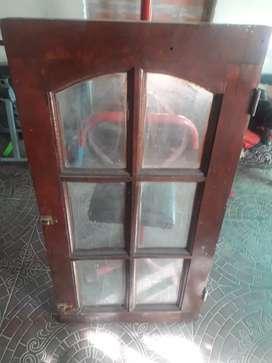 Puerta y ventana de algarrobo excelente estado