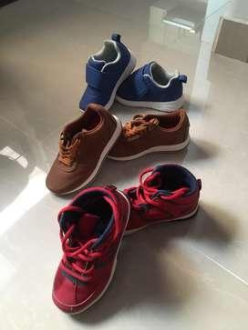 Zapatos para niño los 3 pares por $ 120.000