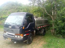 Se vende carro tanque modelo 2001 tanque con capacidad para 4200 litros
