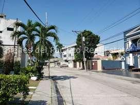 ALQUILER Departamento 125m2 con Parqueo Urdesa, Guayaquil