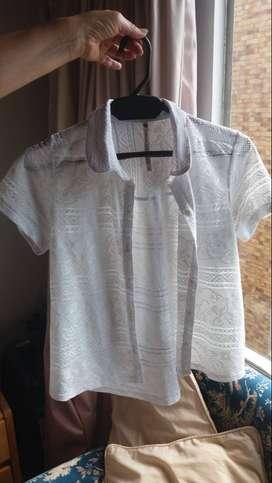 blusa blanca manga corta talla S marca abril