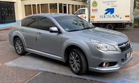 Subaru legacy como nuevo