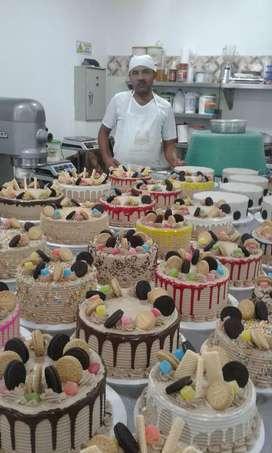 Tengo la experiencia necesaria para laborar en panadería y pastelería.
