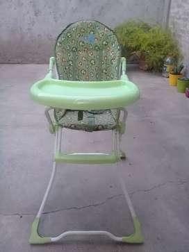 Vendo silla para comer impecable