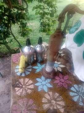 Se vende 2 sifones dragos con garrafa y bombas antigua