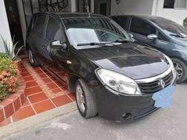 Vendo carro Sandero modelo 2012