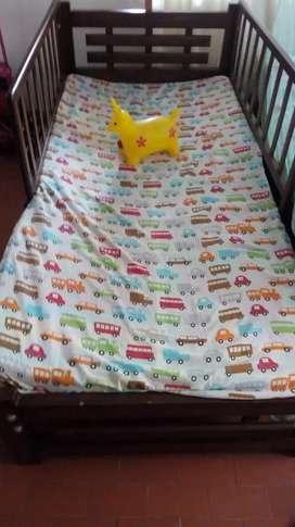 Se vende hermosa cama cuna súper ganga