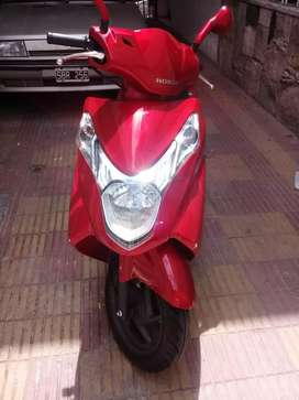 Dueña vende Honda Elite 125 impecable