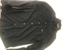 Se vende camisa LOUIS VUITTON .original