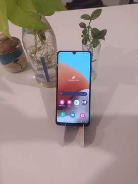 Samsung galaxy a32 .1 mes de uso.