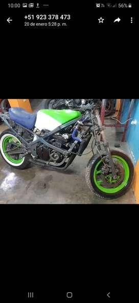 Kawasaki GPZ 400 proyecto