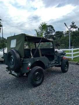 Jeep willyz restaurado posee  accesorios  de guerra , papeles al día  ,