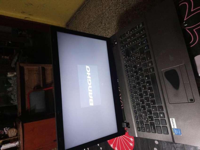 Vendo Notebook Bangho 15.6p Muy Buena Exelente para uso personal o Familiar 0