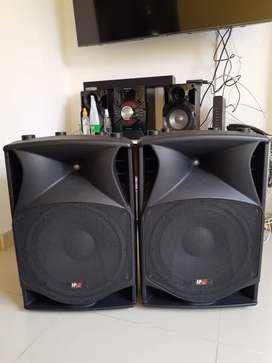 Vendo 2 Parlantes JP-15P Professional Audio System