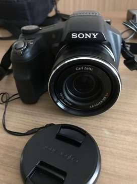 Cámara digital semireflex Sony HV200V