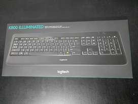 Teclado Logitech K800 iluminado recargable