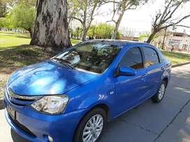 Vendo de contado Toyota Etios