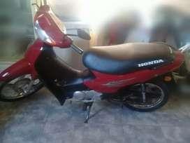 Se vende honda biz modelo 2011.