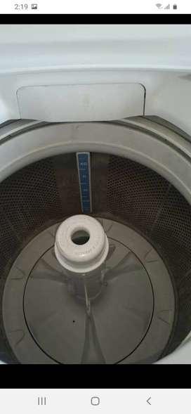 A domicilio revisión reparacion mantenimiento de electrodomesticos lavadoras secadoras nevecones neveras llamenos al Wha