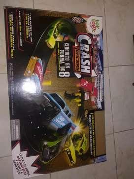 PISTA DE CARRERAS (DESTRUCCIONES) EN CIRCUITO DE 8 *2 autos incluidos*