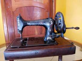Maquina de coser antigua 1920
