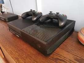 Xbox one 350 GBS como nuevo