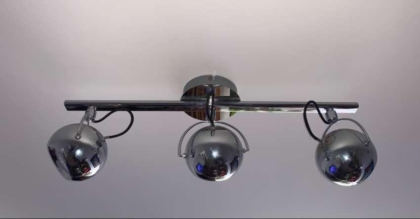 Riel de acero-níquel estilo retro de 3 focos 0