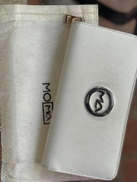 Billetera toma blanca nueva hermosa
