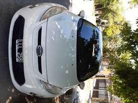 Ford fiesta kinetic design titanium