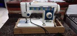 VENDO máquina de coser Recta hogareña Remigton IMPECABLE!