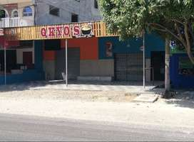 Se vende dos locales comerciales sobre calle principal Santa Marta