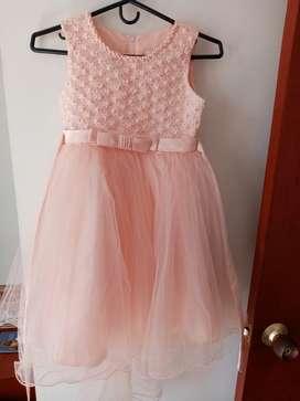 Se vende vestido de niña