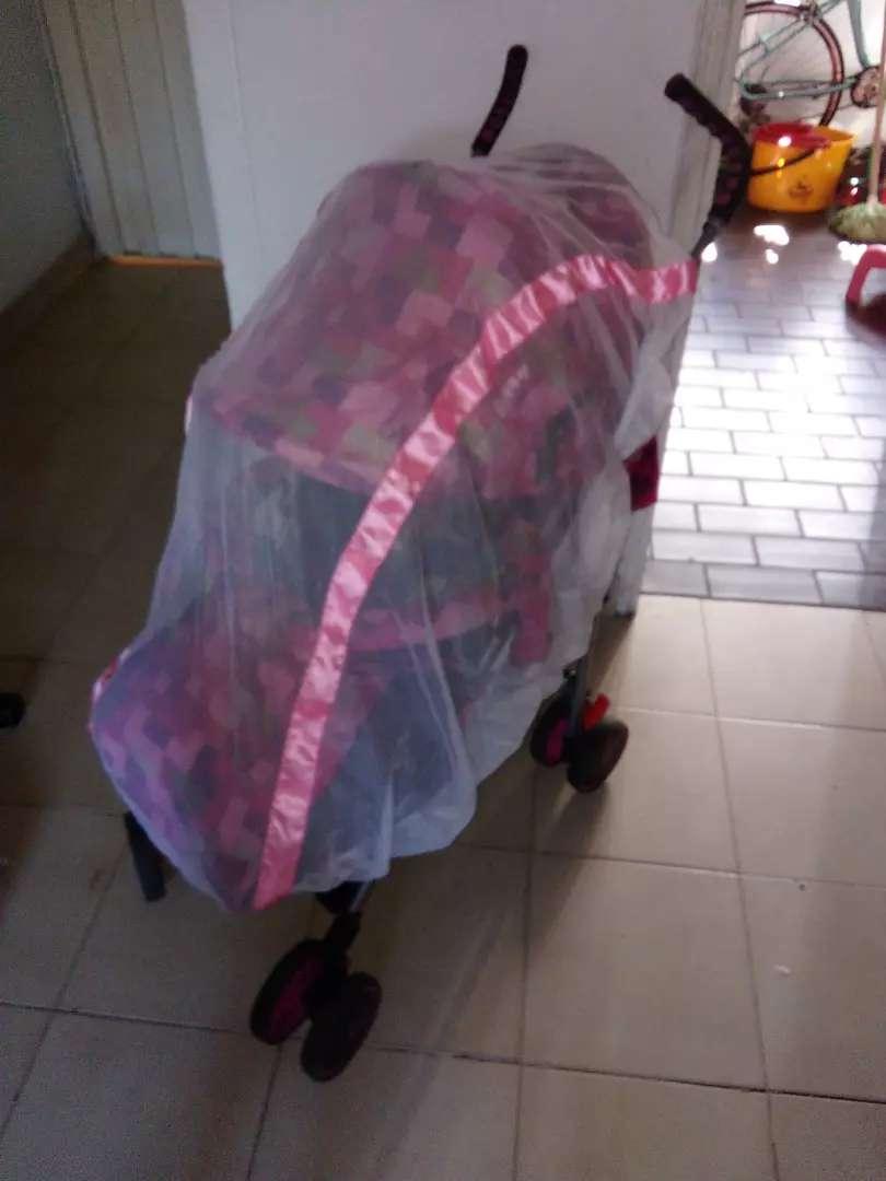 Vendo toldillo.sirve para: coches asoleador paseador y silla mesedora 0