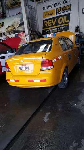 Alquilo taxi amarillo